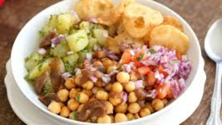 Chickpea And Potato Chaat